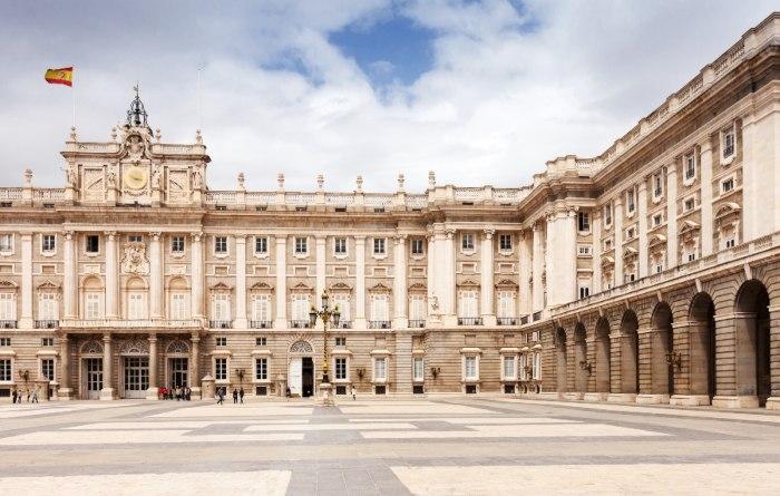 Los precios del alquiler bajan  en todos los distritos de Madrid y Barcelona
